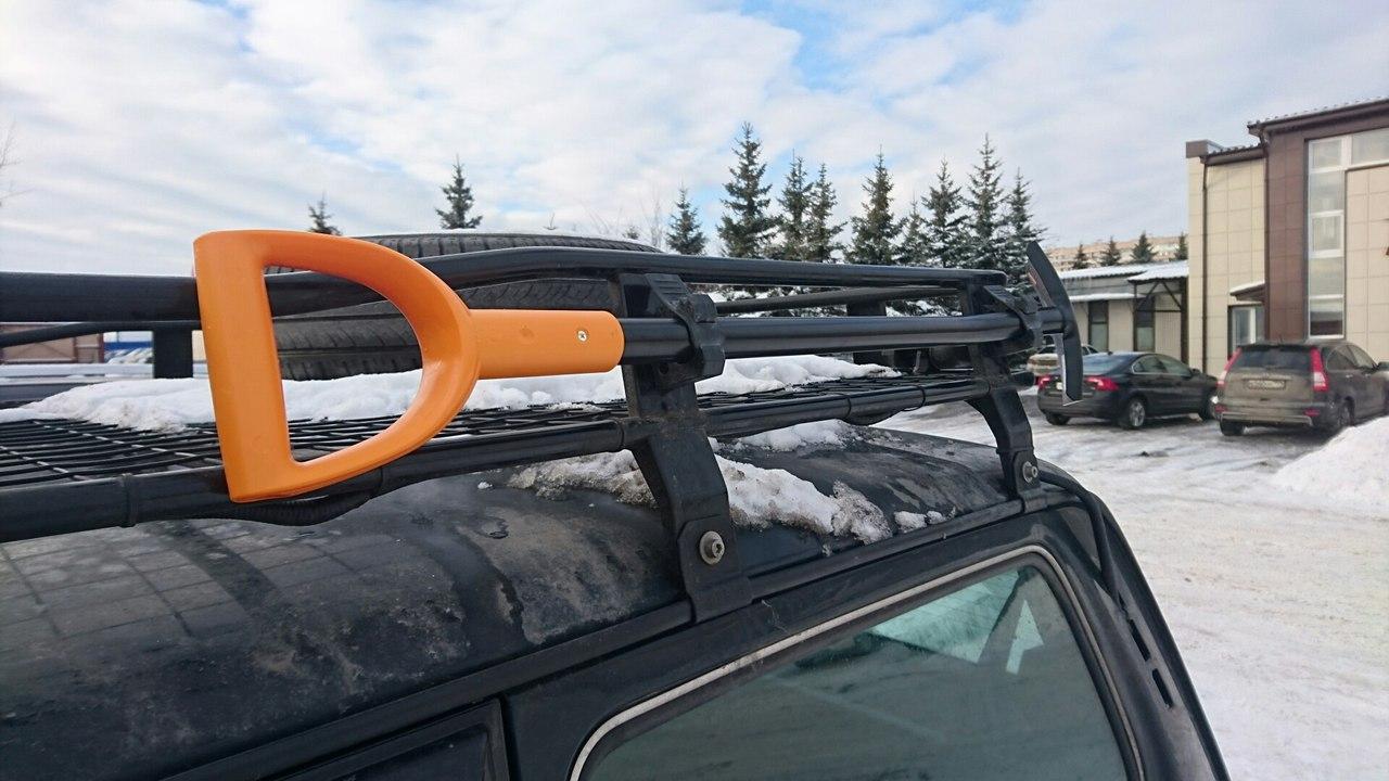 Крепление для лопаты на экспедиционный багажник